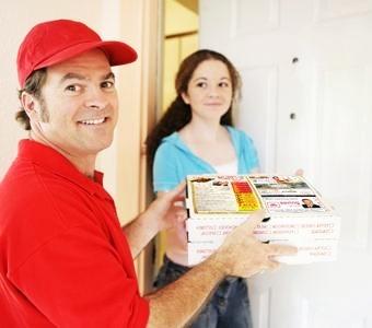 th_pizza-delivery-man-w-menu