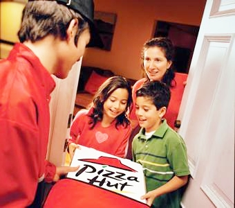 th_pizza_delivery_to_family